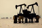 عقبگرد نفت در واکنش به افزایش ذخایر آمریکا
