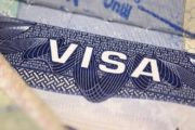 ویزای کدام کشورها به تومان فروخته میشود؟