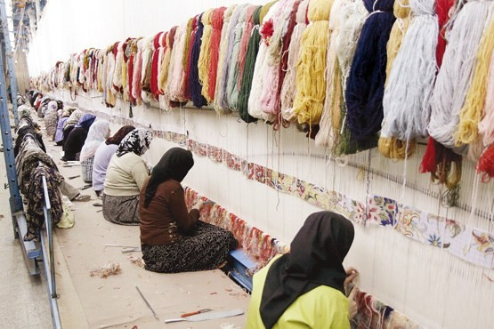 بیمه بافندگان فرش از محل بودجههای استانی