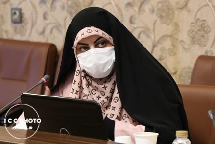 توجه به ظرفیت زنان در حوزه صنایع دستی